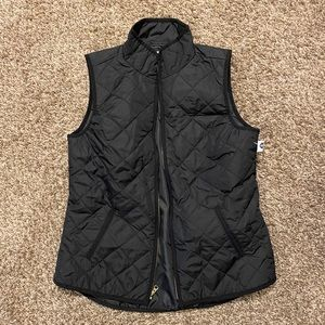 NWT Lightweight quilted vest Old Navy